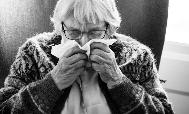 Sintomas gripais em idosos são sinais de alarme para Covid-19